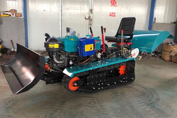 35马力乘坐式履带旋耕机